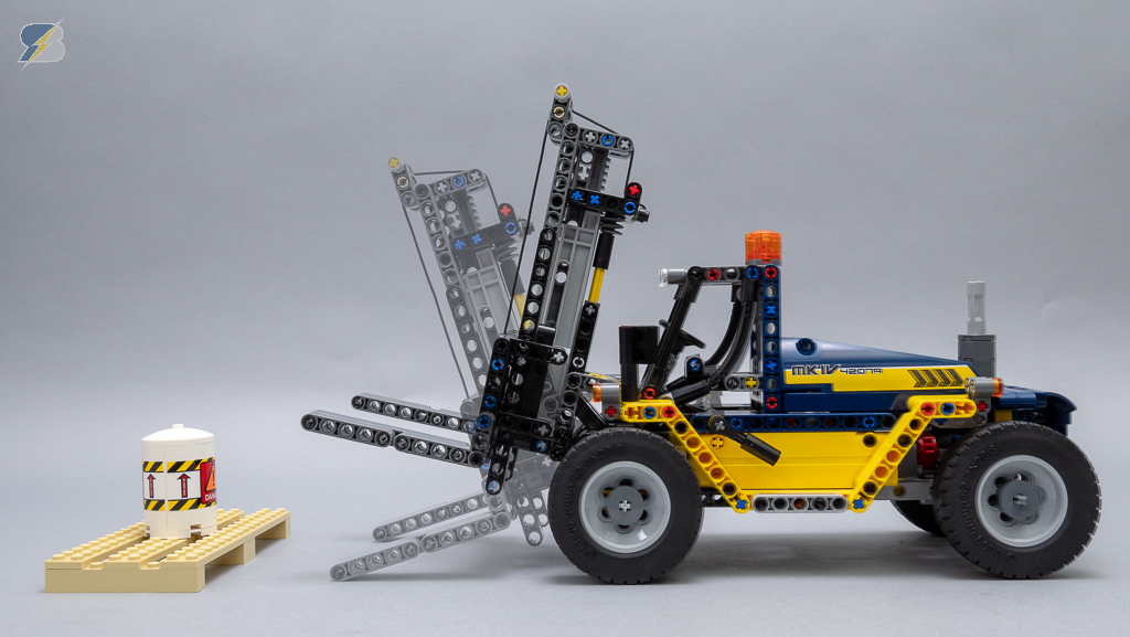 Lego Technic 42079 Heavy Duty Forklift Speed Build Review