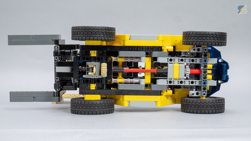 LEGO Technic 42079 Heavy Duty Forklift speed build & review