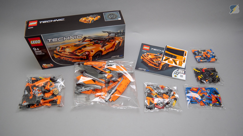 LEGO Technic 42093 Chevrolet Corvette ZR1 unboxing, speed